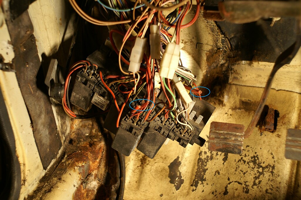 Galaxy Fuse Box Melted : Fuse box above battery melting panel wiring