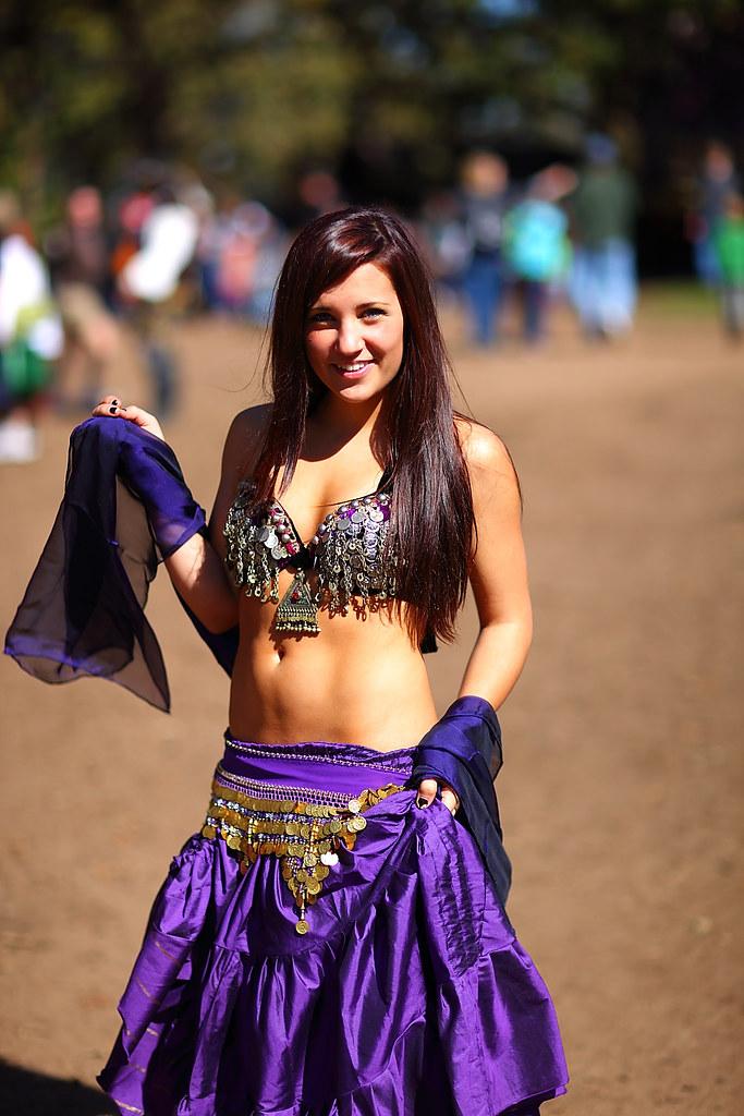 Beautiful Belly Dancer in Purple 2010 MN Ren Faire