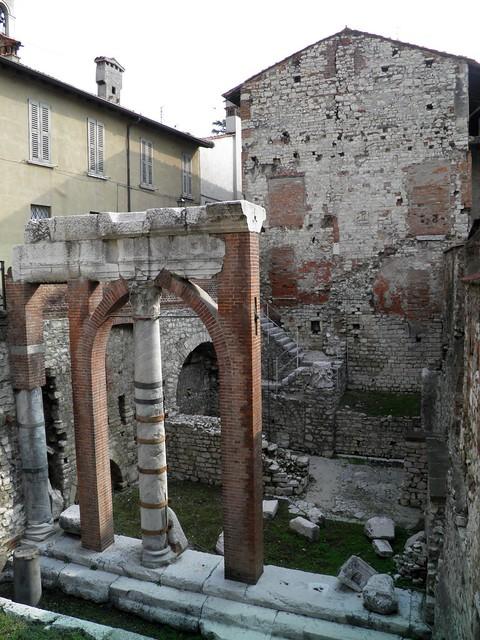 Roman forum (Brixia)