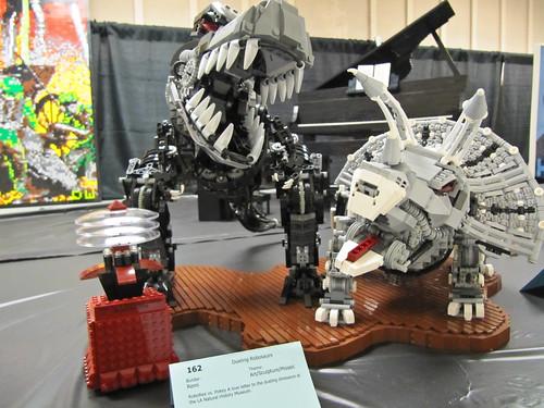 Dueling Robosaurs