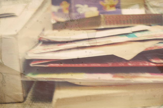 Piles of papers by iHanna, Copyright Hanna Andersson
