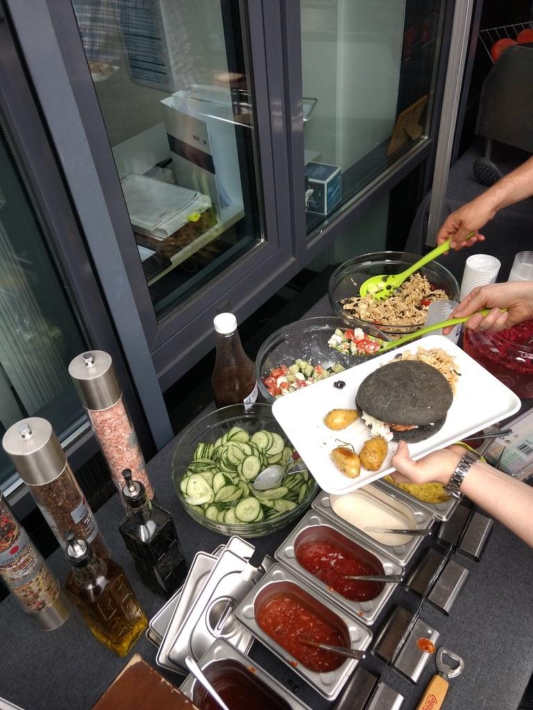 """#HummerCatering #Event #Grill und #Burger #Catering #Service in #Köln #Frechen. #Sommerfest an der #IFH. Wir hatten für unsere #Gäste #leckeres #Gaffel #Kölsch vom #Fass und leckere kalte #Softgetränke wie zum #Beispiel #DieLimo von #Granini. Zum #Essen g • <a style=""""font-size:0.8em;"""" href=""""http://www.flickr.com/photos/69233503@N08/34815923563/"""" target=""""_blank"""">View on Flickr</a>"""