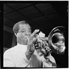 [Portrait of Louis Armstrong, Carnegie Hall, New York, N.Y., ca. Apr. 1947] (LOC)