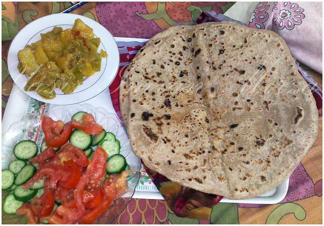 Pakistani-Roti-plus-vegetable