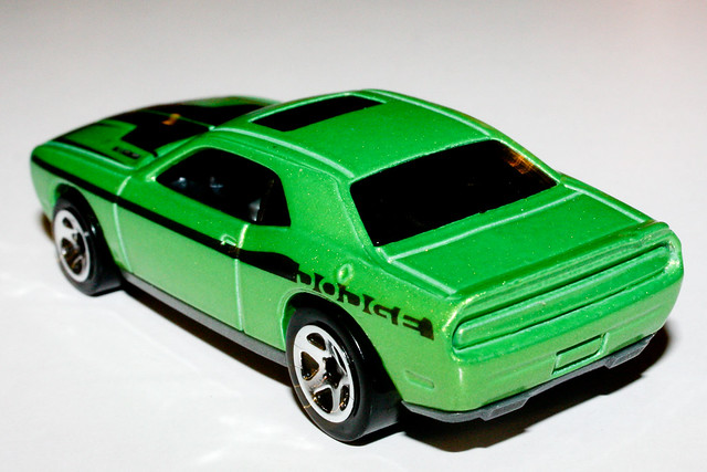 Hot Wheels Challenger Srt8 Autos Weblog