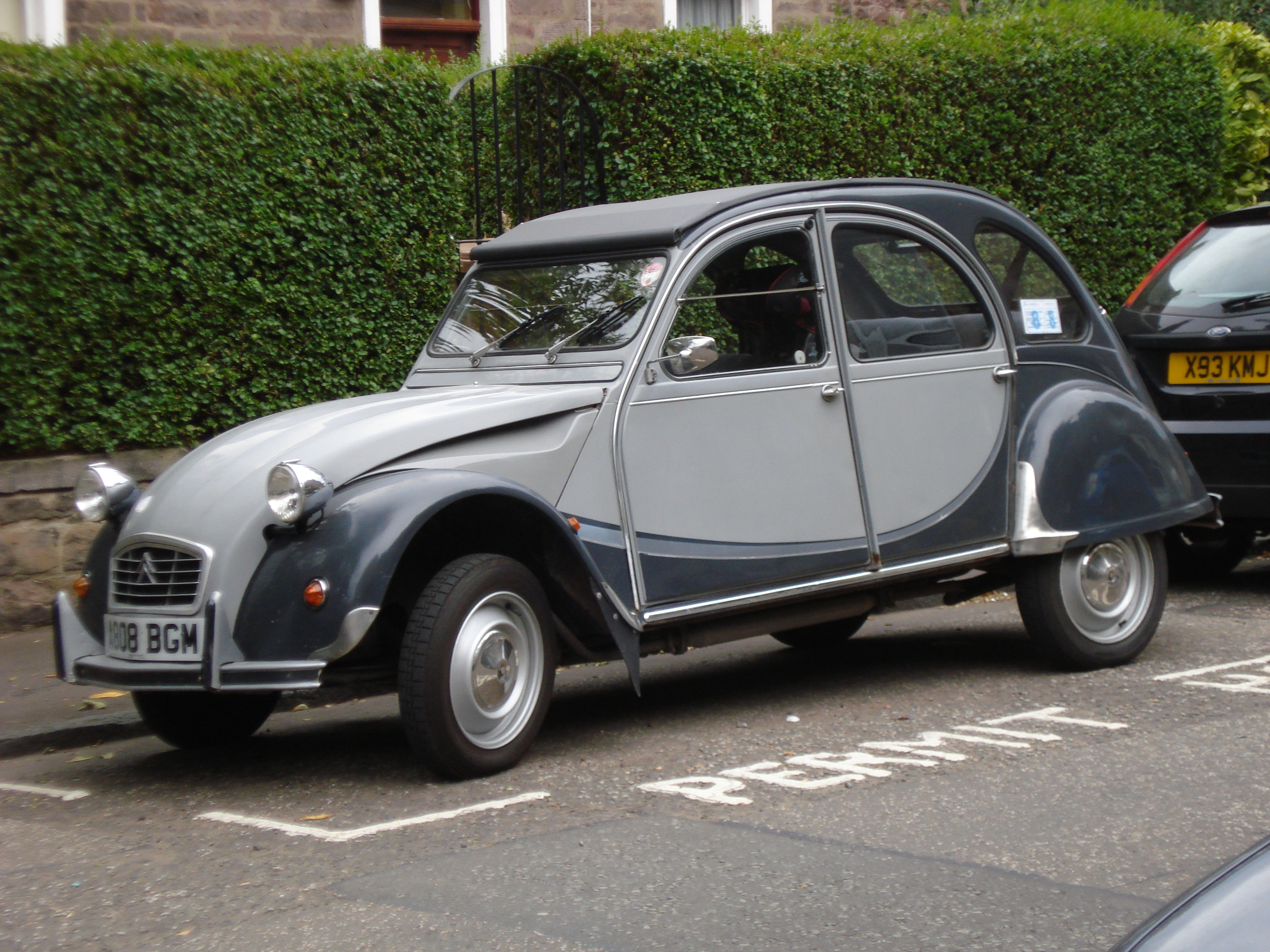 1984 citroen 2cv charleston images pictures and videos. Black Bedroom Furniture Sets. Home Design Ideas