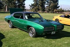 full-size car(0.0), automobile(1.0), automotive exterior(1.0), vehicle(1.0), antique car(1.0), land vehicle(1.0), muscle car(1.0), pontiac gto(1.0), coupã©(1.0), convertible(1.0), sports car(1.0),