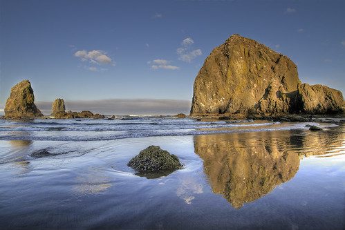 sea seascape reflection water clouds sunrise landscape bravo waves sandy bluesky pacificocean pacificnorthwest oregoncoast ripples lowtide needles cannonbeach haystackrock hdr morningsun 3xp platinumheartaward canoneos7d sigma1020mmf35exdchsm platinumpeaceaward