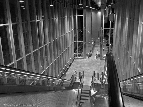 Metro station Blijdorp in black and white.