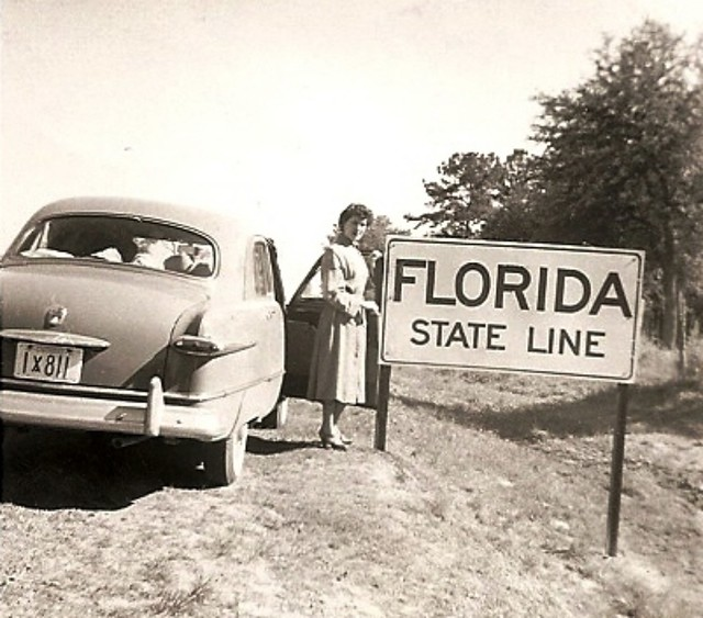 1951 Ford Deluxe Sedan at the Florida State Line
