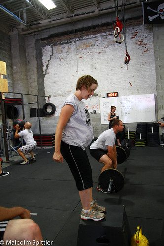 A CrossFit Coach's Guide to Training Pregnant Women - Blog