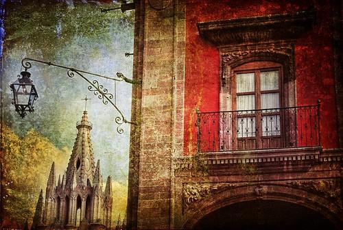 church square mexico balcony colonial unesco spanish sanmigueldeallende guanajuato sanmiguel plazaprincipal laparroquia stmichaelthearchangel zedzap