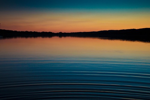 sunset lake water peace rings valley
