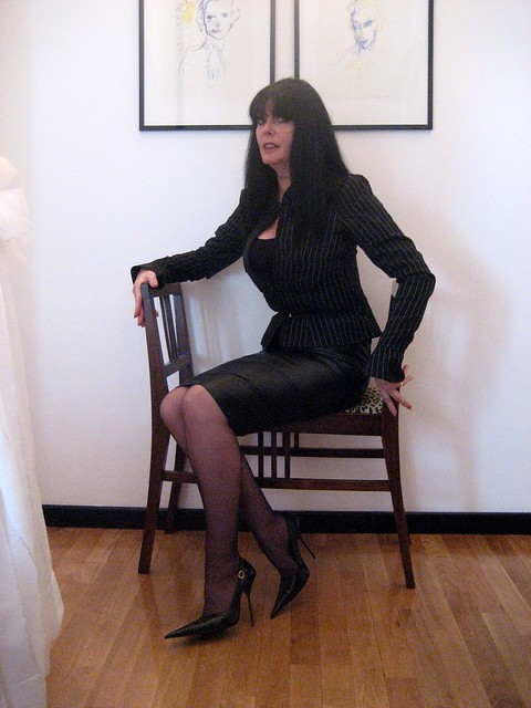 sarah in black leather rosa pointed high stilettos flickr photo sharing. Black Bedroom Furniture Sets. Home Design Ideas