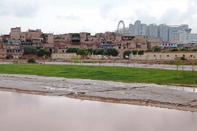 カシュガル旧市街と新市街