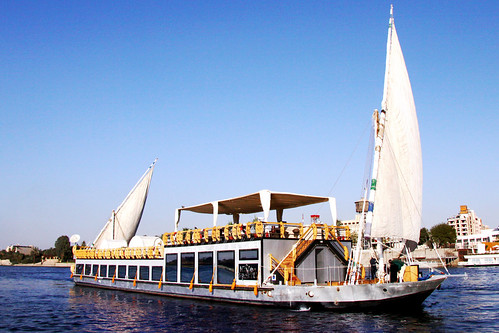 Cruising the Nile on a Dahabeya