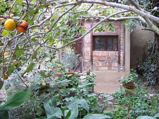 au fond du jardin une cabane outils flickr photo sharing. Black Bedroom Furniture Sets. Home Design Ideas