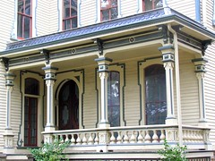 5 Heck-Andrews House, Side Porch