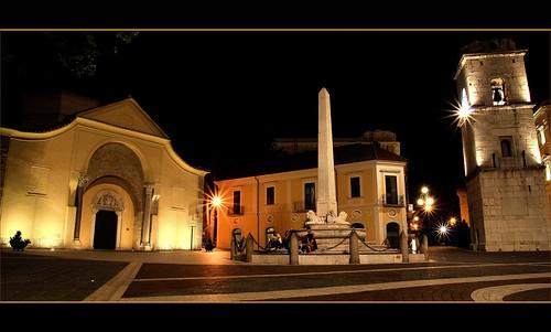 santa night campania arte sofia chiesa campanile luci piazza fontana antico notte architettura sud benevento storia potere paese chiaromonte cittadina longobardi matteotti