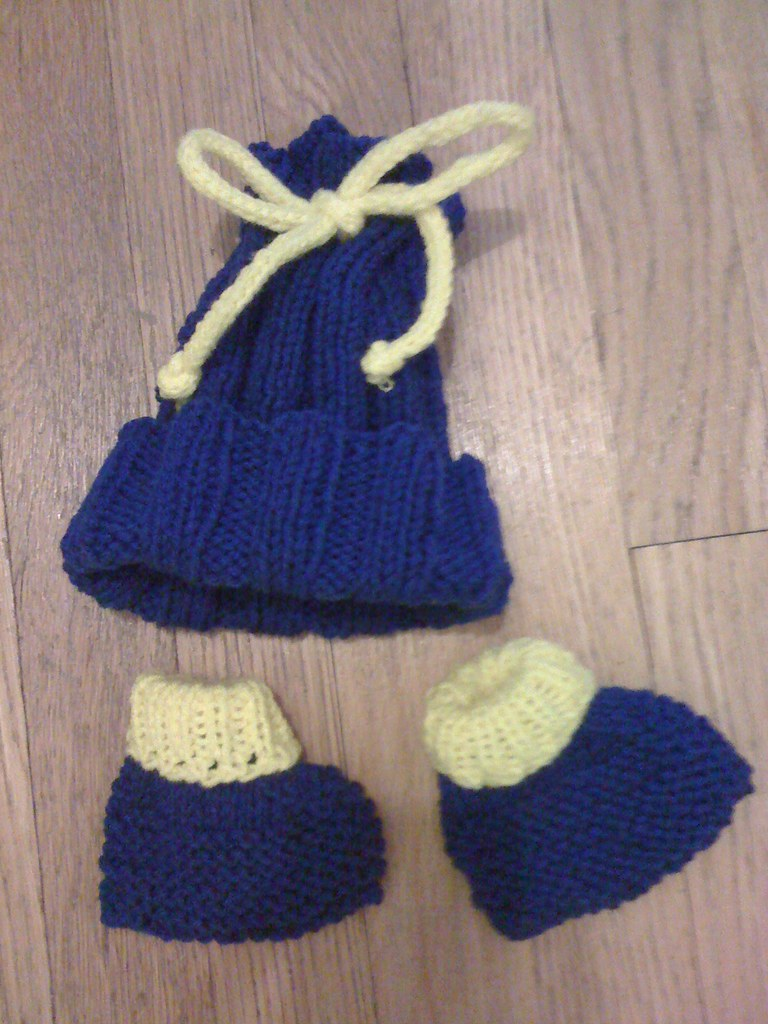 Knitting Slippers For Charity : Easy knitted slipper pattern