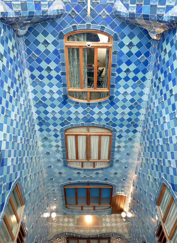 The Iconic Casa Batllo By Antoni Gaudi 171 Twistedsifter