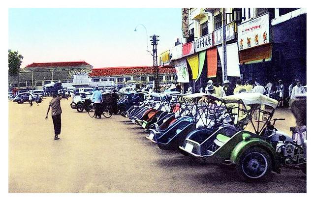 Sud Vietnam - Saïgon - La station de cyclos à moteur