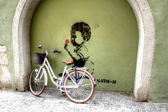 Kind und Fahrrad - Child and Bicycle