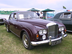 rolls-royce phantom vi(0.0), rolls-royce phantom v(0.0), daimler 250(0.0), bentley s1(0.0), rolls-royce silver shadow(0.0), jaguar mark 1(0.0), convertible(0.0), supercar(0.0), sports car(0.0), jaguar s-type(0.0), automobile(1.0), bentley s2(1.0), vehicle(1.0), rolls-royce corniche(1.0), bentley t-series(1.0), rolls-royce silver cloud(1.0), antique car(1.0), sedan(1.0), classic car(1.0), vintage car(1.0), land vehicle(1.0), luxury vehicle(1.0), bentley(1.0),
