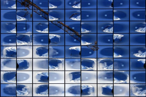 Elbphilharmonie Hamburg - Reflected blue sky