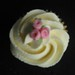 Mini cupcake with rose bouquet