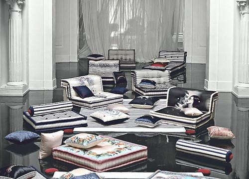 Interieur en design tips op jean paul gaultier ontwerpt meubels voor roche bobois - Bobois rock meubels ...
