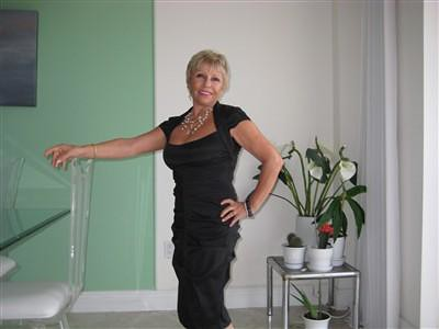 candid mature escorts edinburgh