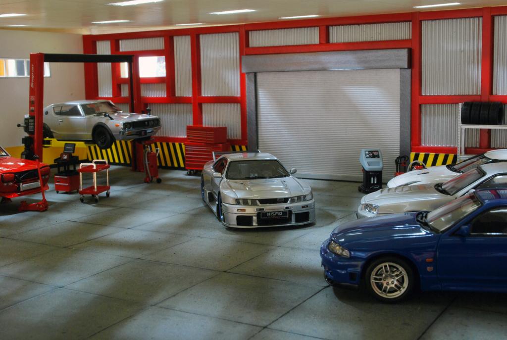 Godzillas 39 garage diecast international forum for Garage ad gap