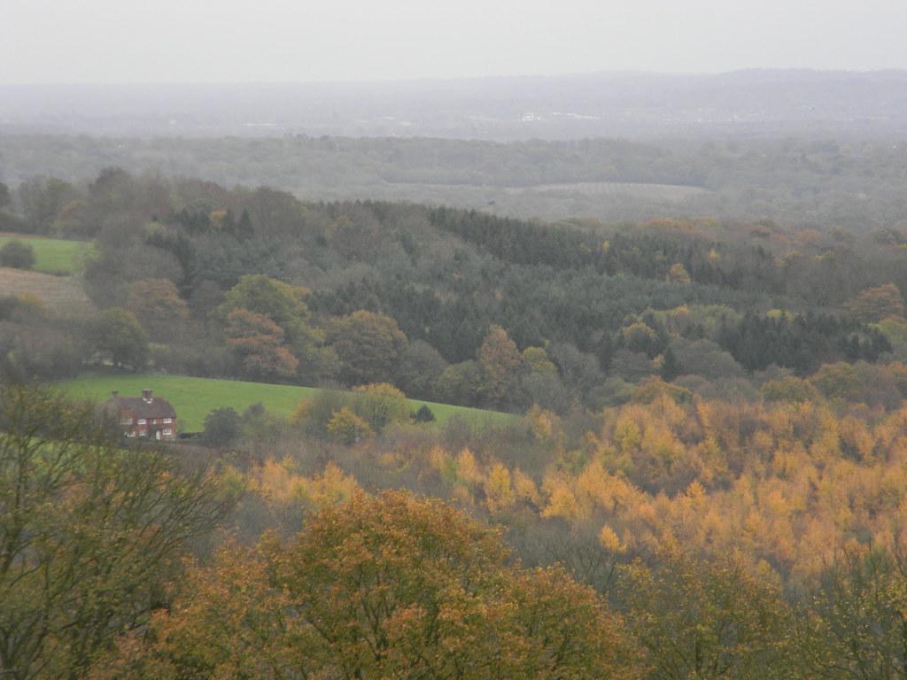 Autumn view Edenbridge Town to Westerham