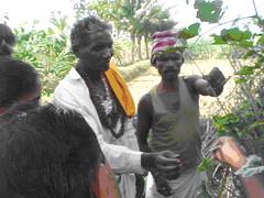 Tue, 20/10/2009 - 15:05 - Yanadi healers showing medicinal plants in the field, Andhra Pradesh, India