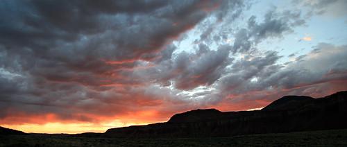 sunset 15fav usa utah cloudscapes waynecounty club100 100vistas instantfave weatherphotography vogonpoetry ashotadayorso ut24 nopin orig:file=20100630eos30d9452stitch1000