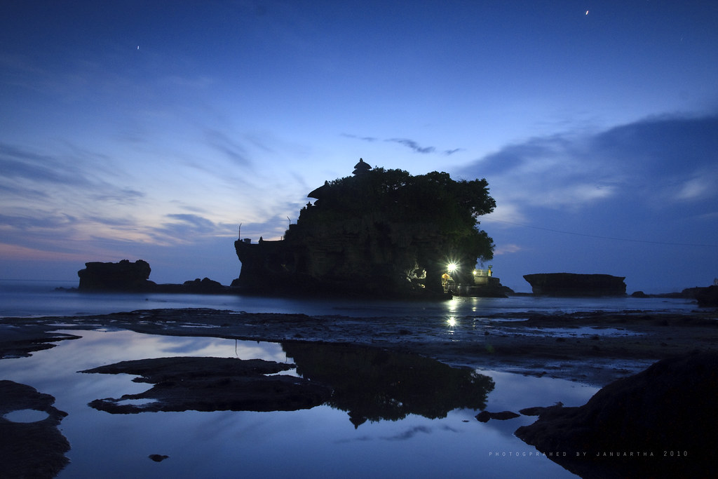 Bali Images : Tanah Lot in Blue Hours