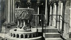 Døpefont i Nidarosdomen (ca. 1915)