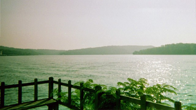 Lake of the Ozarks by CC user bsabarnowl on Flickr