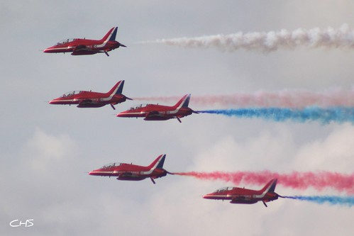RAF Red Arrows Falmouth 11th August 2010 by Claire Stocker (Stocker Images)