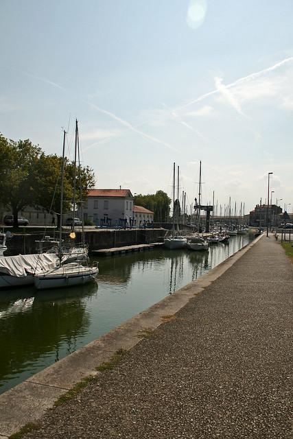 Ancien bassin flot acceuillant le port de plaisance rochefort charente maritime 16 aout - Port de plaisance de rochefort ...