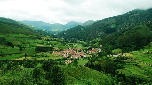 Carmona (Cantabria) / Foto: Flickr /  kyezitri