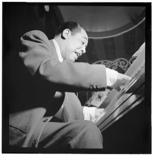[Portrait of Duke Ellington, Aquarium, New York, N.Y., between 1946 and 1948] (LOC)