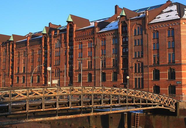 Hamburg Port Authority, Jungfernbruecke, Zollkanal, Speicherstadt, UNESCO World Heritage, Weltkulturerbe, Hamburg, Germany, fotoeins.com