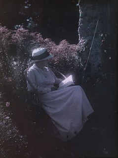 Lady reading in the garden. Paget Process colour portrait c.1915