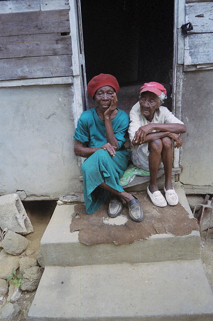 TWO OLD LADIES - CLARENDON COLLEGE - CLARENDON