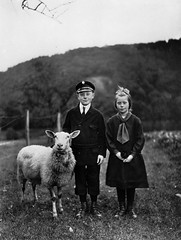 Farm children, Westerwald, by August Sander ca. 1927-28