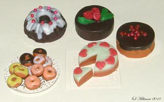 Kakkuja ja donitseja