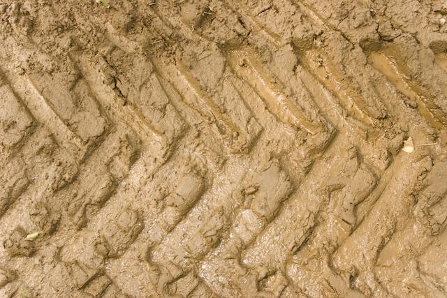 Mud Tire Tracks Tyre tracks in mud | F...