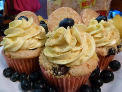 How Often Should You be Blogging: Blueberry iced lemonade cupcakes